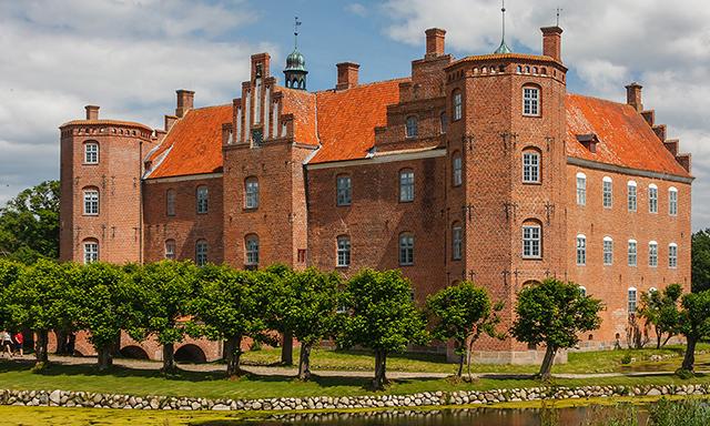 The Manor of Gammel Estrup - Visit the Castle