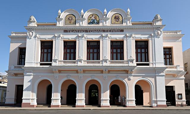 Cienfuegos and Botanical Gardens