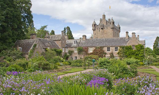 Highland Castles & Loch Ness