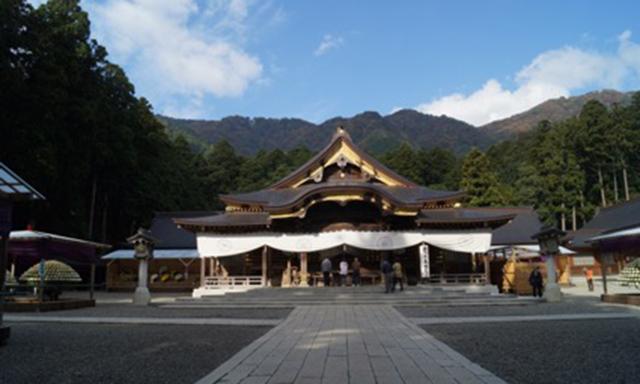 Yahiko Shrine and Teradomari Fish Market