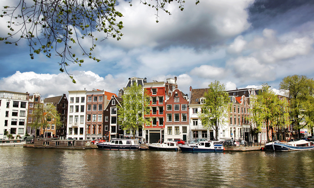 Amsterdam, Anne Frank House & Canal Cruise