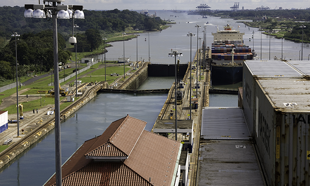 Safarick?s Zoo and Gatun Locks