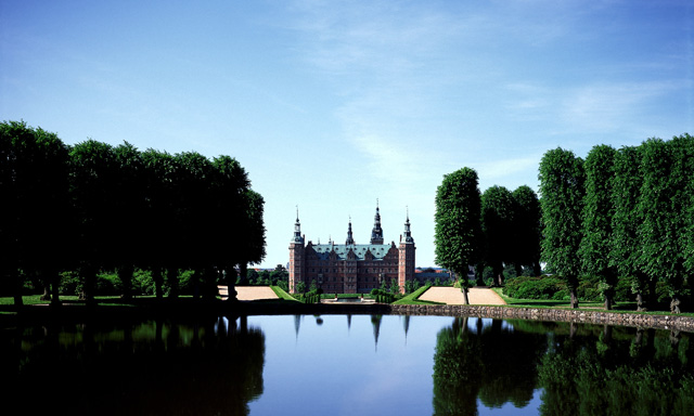Copenhagen City Sights & Castle Tour of North Zealand