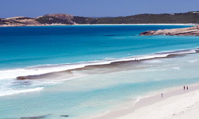 Live Like a Local - Aussie Pub and Beaches