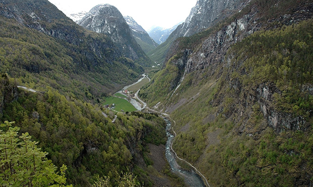 Nærøydalen Valley and Magical White Caves
