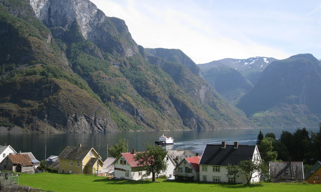Tiny Undredal Valley Village