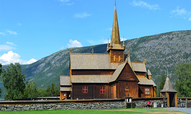 Lom Lunch and Stave Church