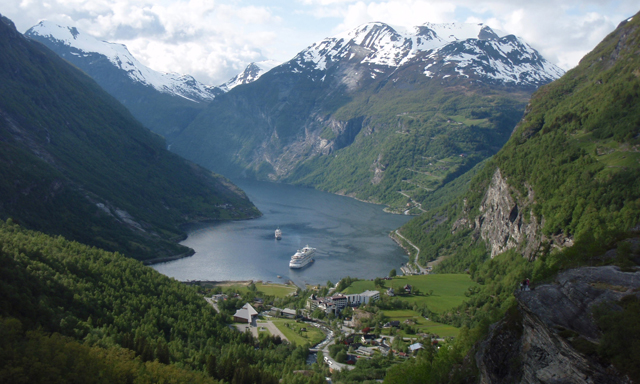 Fjord Center and Scenic Views