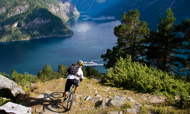 Sky to Fjord Downhill Bike tour