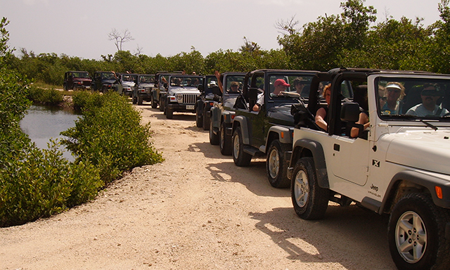 Cayman Jeep Wrangler Adventure and Beach Snorkel