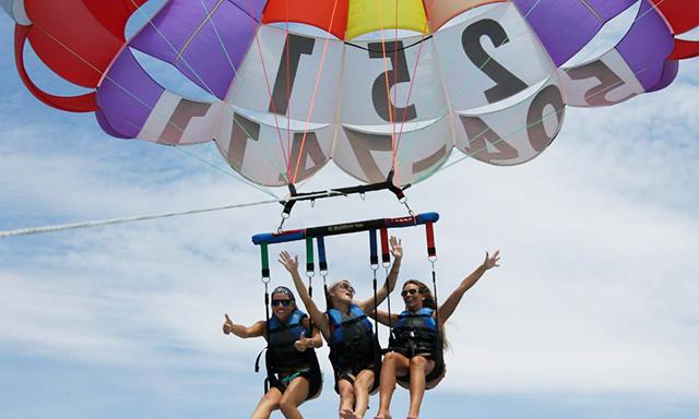 grand cayman parasailing with beach break