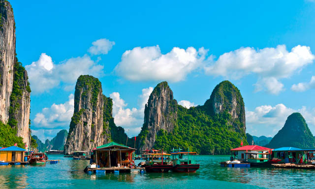 Ha Long Bay by Boat