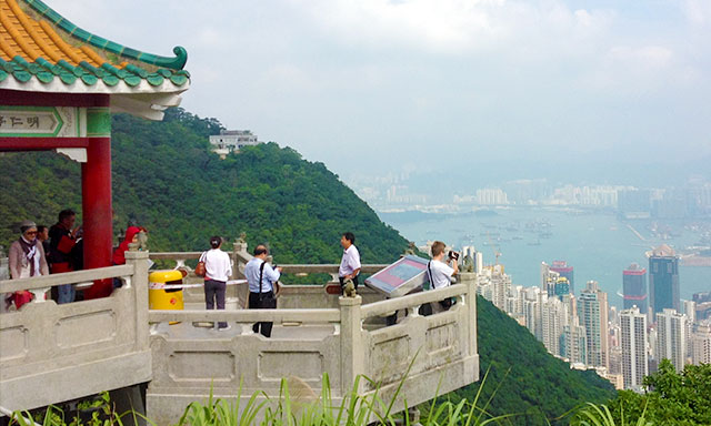 Hong Kong Island Highlights Tour with Airport Drop Off