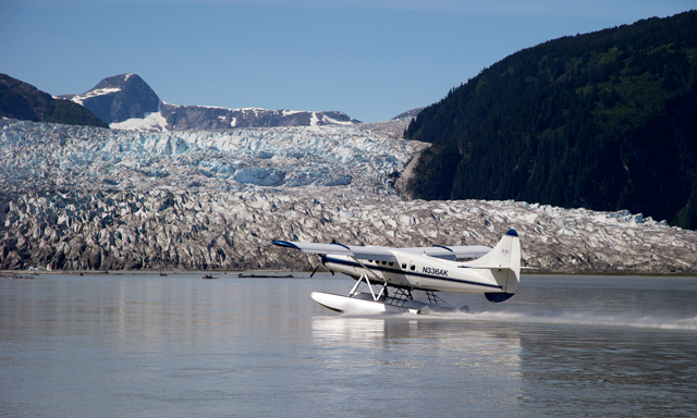 Taku Lodge Feast & 5 Glacier Seaplane