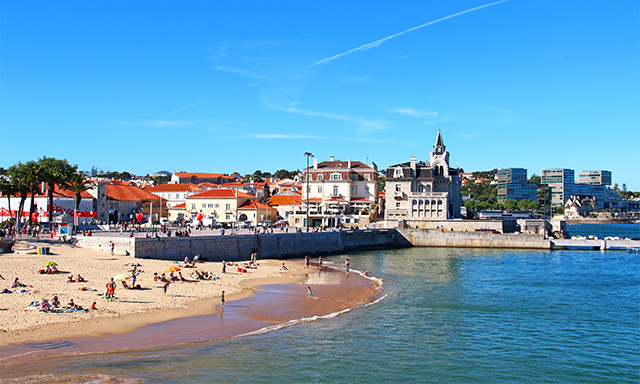 Cascais on Your Own