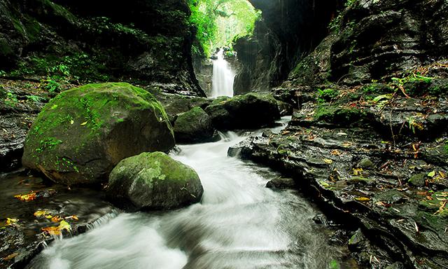 Enchanting Hidden Valley Tour