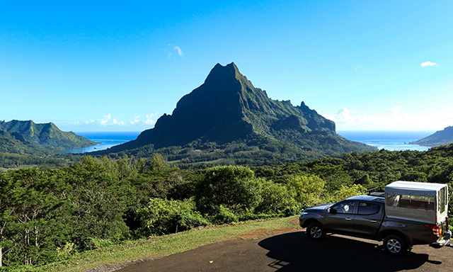 Nature and Culture in Moorea by Jeep
