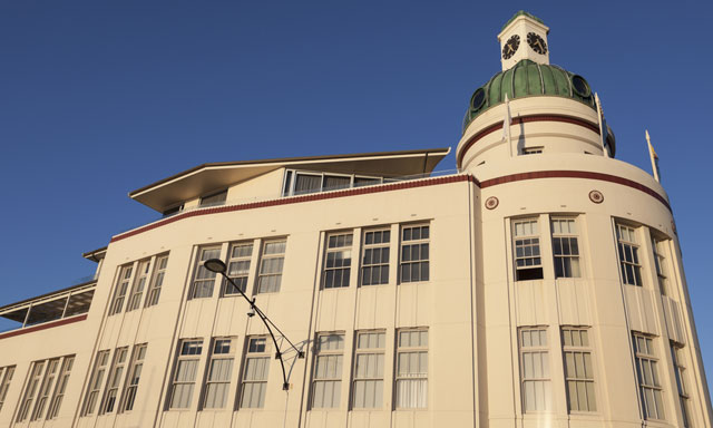 Art Deco and Hawkes Bay Highlights