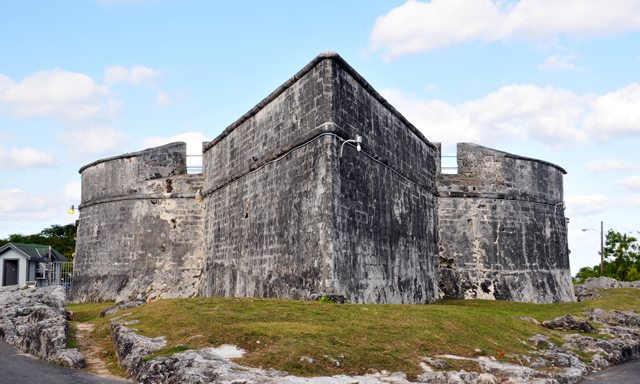 Accessible Fort Charlotte & Pirates of Nassau Museum