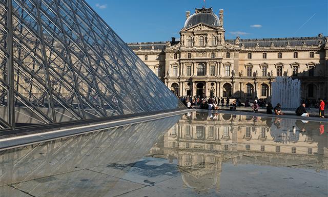 Explore Paris with Louvre Drop-off