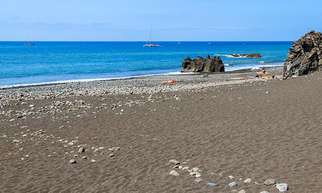 Roseau, Emerald Pool and Mero Beach