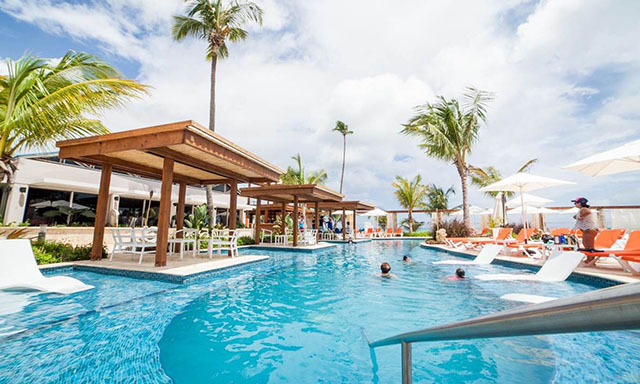 Deluxe Beach Break at VIVO Beach Club