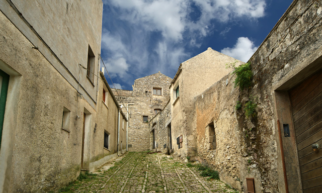 Sicilian Medieval Village Exploration With Bakery Tasting