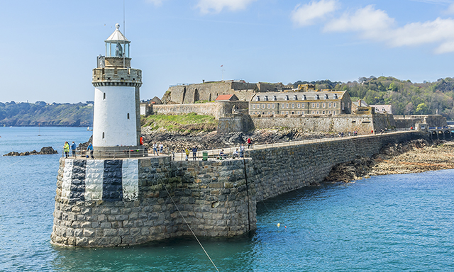Medieval St. Peter Port Walking Tour & Cornet Castle