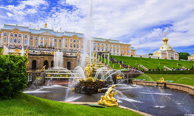 Peterhof: Parks and Fountains with Hydrofoil Ride