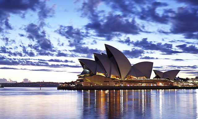 Sydney Sights, Opera House and Bondi Beach with Airport Drop Off