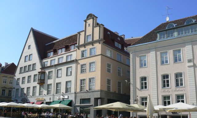 Lower Old Town and Panoramic Tallinn with Coffee Break