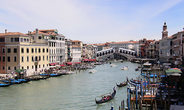 Explore Venice On Your Own (Debark Tour)