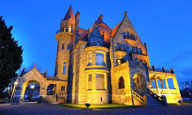 Scenic Victoria with Craigdarroch Castle